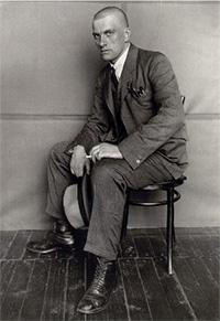 Rodchenko's photo portrait of Mayakovsky in 1924