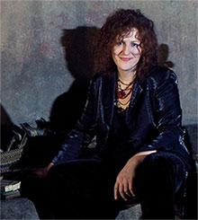 Tamara Cislowska at the piano