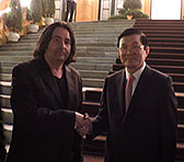 Andrián Pertout with the president of Vietnam, Truong Tan Sang