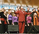 Tony Backhouse with the Café of the Gate of Salvation choir at the Hemispheres Olympic Arts Festival (2000)